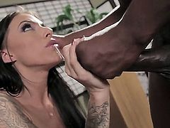 Juelz Ventura is having interracial banging with Lexington Steele. The hugecocked ebony fellow is going to screw mouth and vagina of the bitch bringing strong orgasms to her.