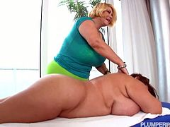 Breast friends Samantha 38G & Maria Moore going tit-to-tit or even tit-to-clit with each other.Enjoy this hot bbw massage each other and do scissor fuck.