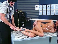 Gia DiMarco gets oiled by Johnny Sins during massage he gives her. Pal is playing with her sweet pussy by fingers bringing so much delight to babe before fucking her twat.