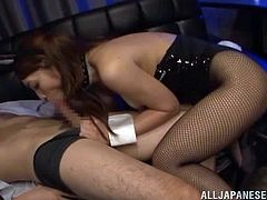 She is a stripper at the bar and babe can do something extra for some extra pay! Well, she was so hot that day, that this dude forgot about her financial restrictions!