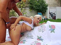Naughty dude Nacho Vidal has seduced hot and pretty young blonde girl Sammie Spades for some unforgettable anal fuck outdoors.