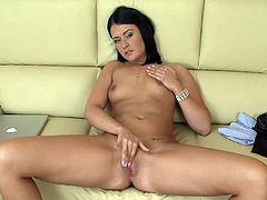 Watch this amateur chick fondling and fingering her coochie woochie in this video. For solo lovers out there! This chick delivers it!