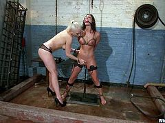 Lorelei Lee and adorable brunette Melissa Jacobs are having some good time indoors. Lorelei binds Melissa, attaches wires to her snatch and then tortures the cutie and stuffs her snatch with a dildo.