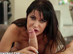 You can underestimate the blowjob skills of the stunning milf Eva Karerra. She gets her hands on his long dong and begs him for a huge cumshot!