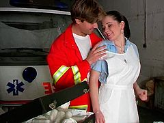 Juggy brunette nurse gets her muf eaten by horny nurse boy