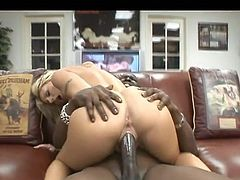 Sweetie gets ravaged by monster cock in amazing hardcore porn session
