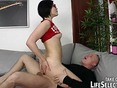 Hot brunette with sex glasses enjoys large penis drilling her ass in wild anal session