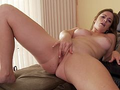 Make sure you take a look at Sierra Miller's amazing body in this amateur solo video where this little hottie fingers her wet pussy.