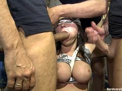 Curvaceous Marina Visconti in great gangbang video