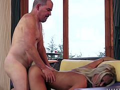 Slim blonde with flat chests prefers hardcore pounding. She enjoys elder guy who penetrates her juicy slit in doggy style and later in missionary one from behind.