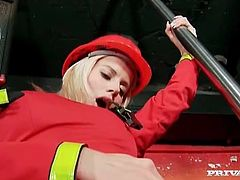 Firefighters Cindy Dollar and Renata Black eat pussy