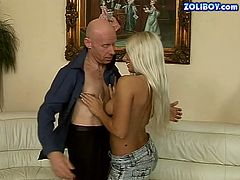 Sextractive blonde babe loves older man with big sex experience. Besides, she needs to please her sugar daddy to keep him up with herself. So she works her pretty mouth hard. Check this out on Anysex for free.