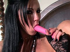 Having her pink pussy stimulated so well makes superb beauty to play nasty