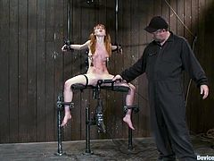 Admirable hottie Marie McCray lets some man put her into irons in a foul basement. The dude stuffs Marie's snatch with a dildo and makes her moan loudly with pleasure.
