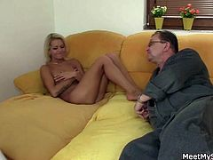 This guy's mom and dad pay him a visit. They find his sexy girlfriend naked and don't hesitate to have a hot trio with her.