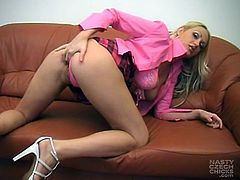 Blonde sweetheart enjoys posing her wet vag during naughty cam show masturbation