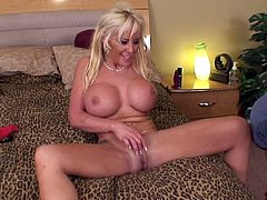 Busty blonde sexpot Savannah Gold gets her pussy fingered