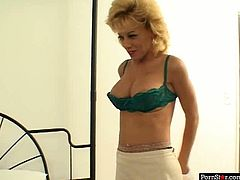 Sex-starved MILF Sammie Sparks is an experienced slut when it comes to pleasing men. She takes her lover's cock in her mouth and sucks it passionately to make it hard. Since that prick is already hard spoiled harlot jumps on top of it and rides it like mad.