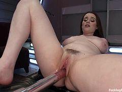 Deepthroat sloppy tube