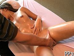Delighting gorgeous hottie with massage