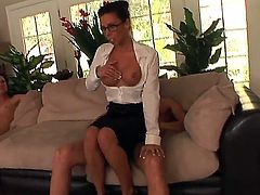 Filthy and experienced studs Ian Scott and Otto Bauer with rock hard cocks get sucked good by heavy chested milf Rachel Starr while naughty bitch Sindee Jennings polishes wet minge.