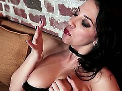 Take a glance at so cool solo masturbation from fascinating brunette chick Jelena Jensen. She poses in lingerie before taking it off and starting to play with twat by fingers.