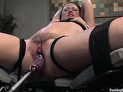 Seems like she is trapped and in deep trouble. But in fact she feels herself like in heaven. Babe gets nailed by a fucking machine being bondaged. Yeah!