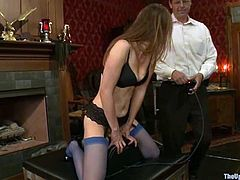 Hot brunette babe gets her vagina drilled by a fucking machine. Later on she gets tied up and blindfolded.