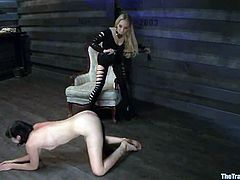 This is a hot femdom action with some slender chicks. So Coral Aorta gets humiliated by Aiden Starr. Babe knows some refined methods of abuse!