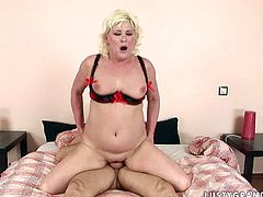 Voracious granny has got fat belly and saggy boobs. She is sucking hard dong deepthroat. Then she gets on top of solid pecker jumping actively.