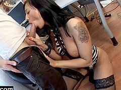 She wants to get the raise easier so she started sucking off her boss. He had a big cock and she took it deep down to the bottom like a good girl!