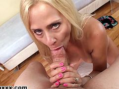 Alluring milf Payton Leigh is amazing when sucking cock and swallowing in POV