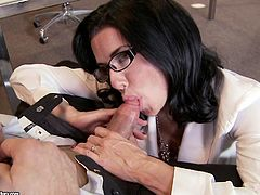 Big tits beauty Veronica Avluv is in need to bang her boss at the office