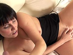 Dark haired dick suck Novice inside stockings