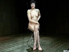 Kinky Asphyxia Noir gets bonded and then toyed deep in her hot pussy with big dildo. Later on her mistress puts the gas mask and continues to toy Asphyxia's vagina.