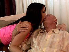 Horn-mad brunette sucks gaffer's strong dick for gooey tasty sperm