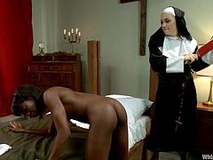 Sister in the church are gone so fucking bad! They gets this ebony chick naked and ties her up on bed. Then waxing procedure begins.