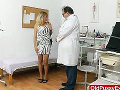 Watch this sexy blonde milf Karen strips off her clothes and for getting her pussy checked up her gyno exam.Karen gets a speculum gyno tool up her pussy during a gyno checkup from her nasty old doctor. Extreme internal pussy shots and plenty of medical stuff in this free tube movie.