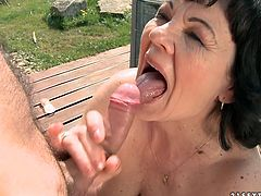 Ruined brunette grandma pleases young wanker with thorough blowjob