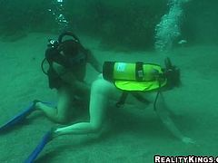 Dude and a chick dive into the ocean and when they reach the bottom they get it on underwater. Yes, hardcore sex under the sea!