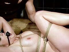 21 Sextury bondage session sex clip is waiting for you. Kinky booty blondie with natural tits is all fixed with ropes. Horny dude smacks her butt and puts black gag into her mouth to shut this bitch up.