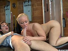 Press play on this hardcore video and watch this slutty blonde milf sucking and fucking this guy's large cock in the gym.