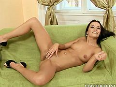 Dark head bombshell Shalina Divine is getting her shaved pussy fisted in filthy XXX free porn clip