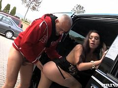 Sexy brunette Nataly Von proves that she is a real bitch when she pays for the taxi with her body. She pleases the driver with a blowjob and then fucks him in cowgirl position.