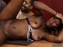 Mature ebony Gen Tilly fingering her bush