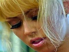 Today we've got a very special solo video for you. Watch the legendary blonde Jenna Jameson shaving her pink cunt while provoking you with her amazing body.
