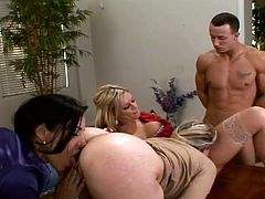 Alana Evans and her nasty GFs are having fun with some dude at a small indoor party. They eat fruit off man's body and then play with his prick and jump on it by turns.
