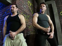 Lauro Giotto cant live a day without getting her back yard fucked by hard dicked dude Leslie Taylor