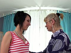 This young slut always gets what she wants. Brunette nympho spreads her legs wide to let this horny granny eat her snatch.