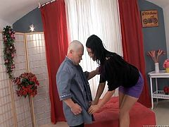 Mario is a small man but when it's about fucking he behaves like a normal dude. The bald midget has a rock hard cock that makes this beautiful brunette drool! She goes down on the floor and begins to suck him. Yes, down on the floor because he's so short that she can't even suck it on her knees!